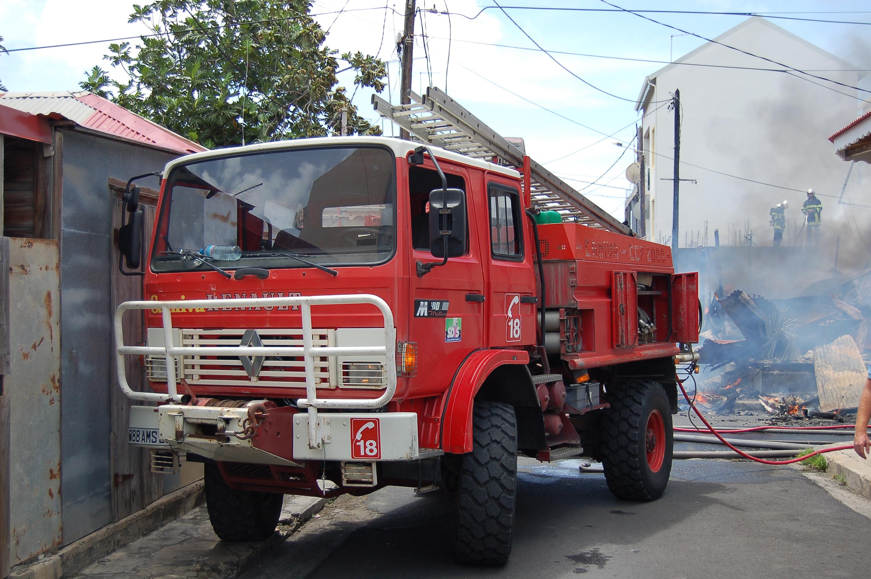 Fichier camion pompier guadeloupe jpg wikip dia - Image camion pompier ...
