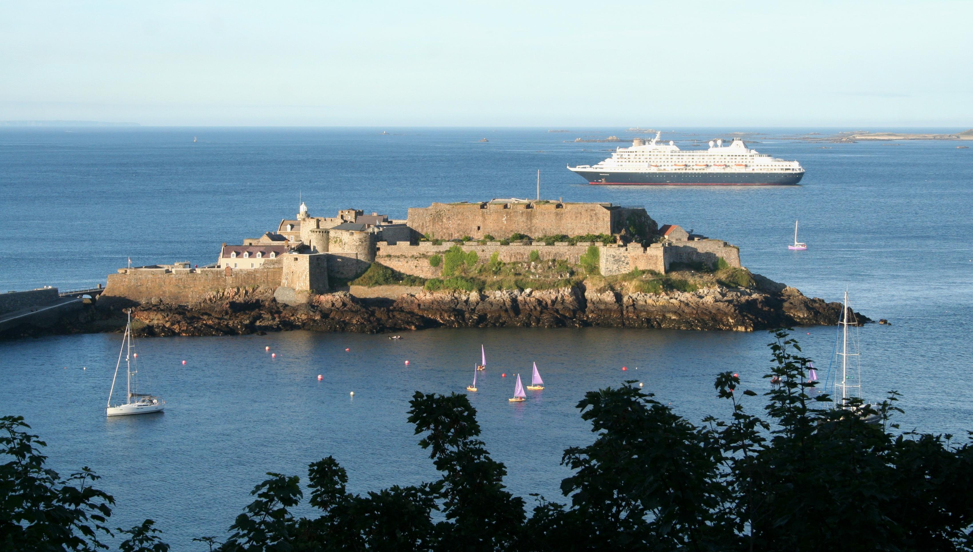 Castle Cornet, Guernsey.jpg