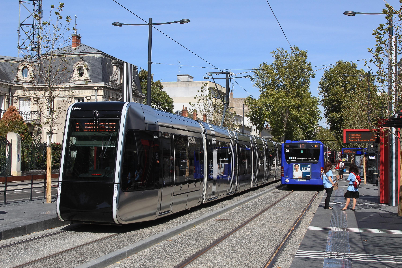 fichier citadis n 64 bus l10 charcot tram tours par cramos jpg wikip dia. Black Bedroom Furniture Sets. Home Design Ideas