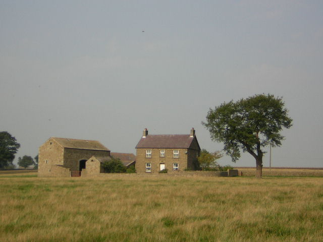 File:Clint House Farm - geograph.org.uk - 237611.jpg