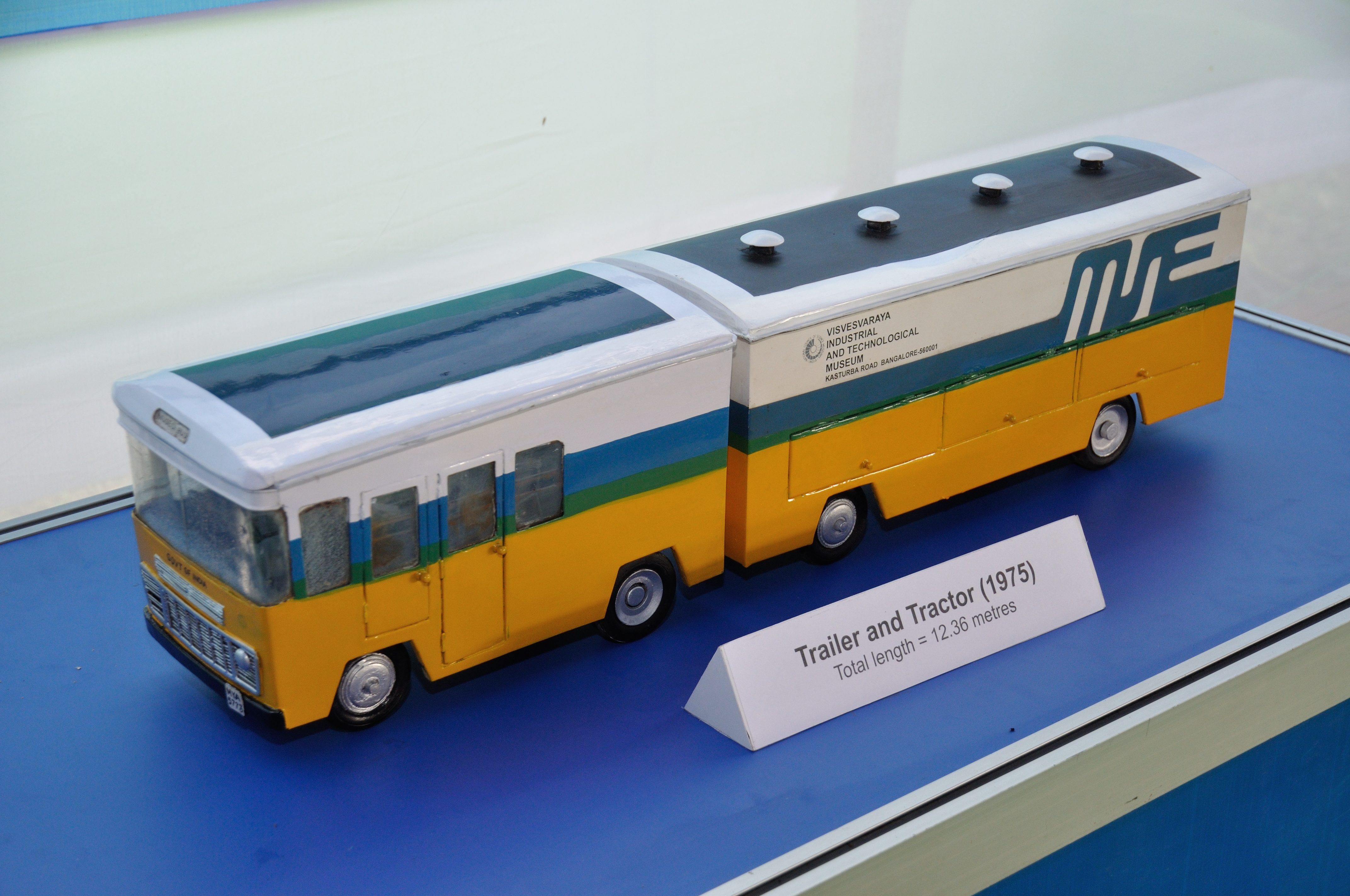 file discontinued trailer and tractor 1975 mse bus model mobile