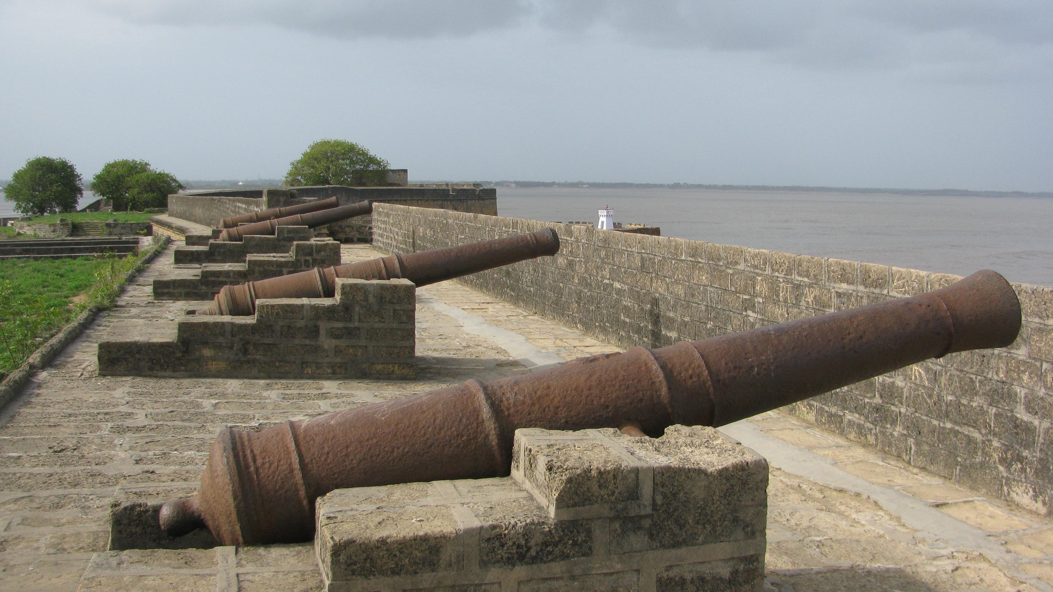 Diu India  city photo : Places to visit in Diu And Daman: Diu Fort Diu www.vishvabhraman.com