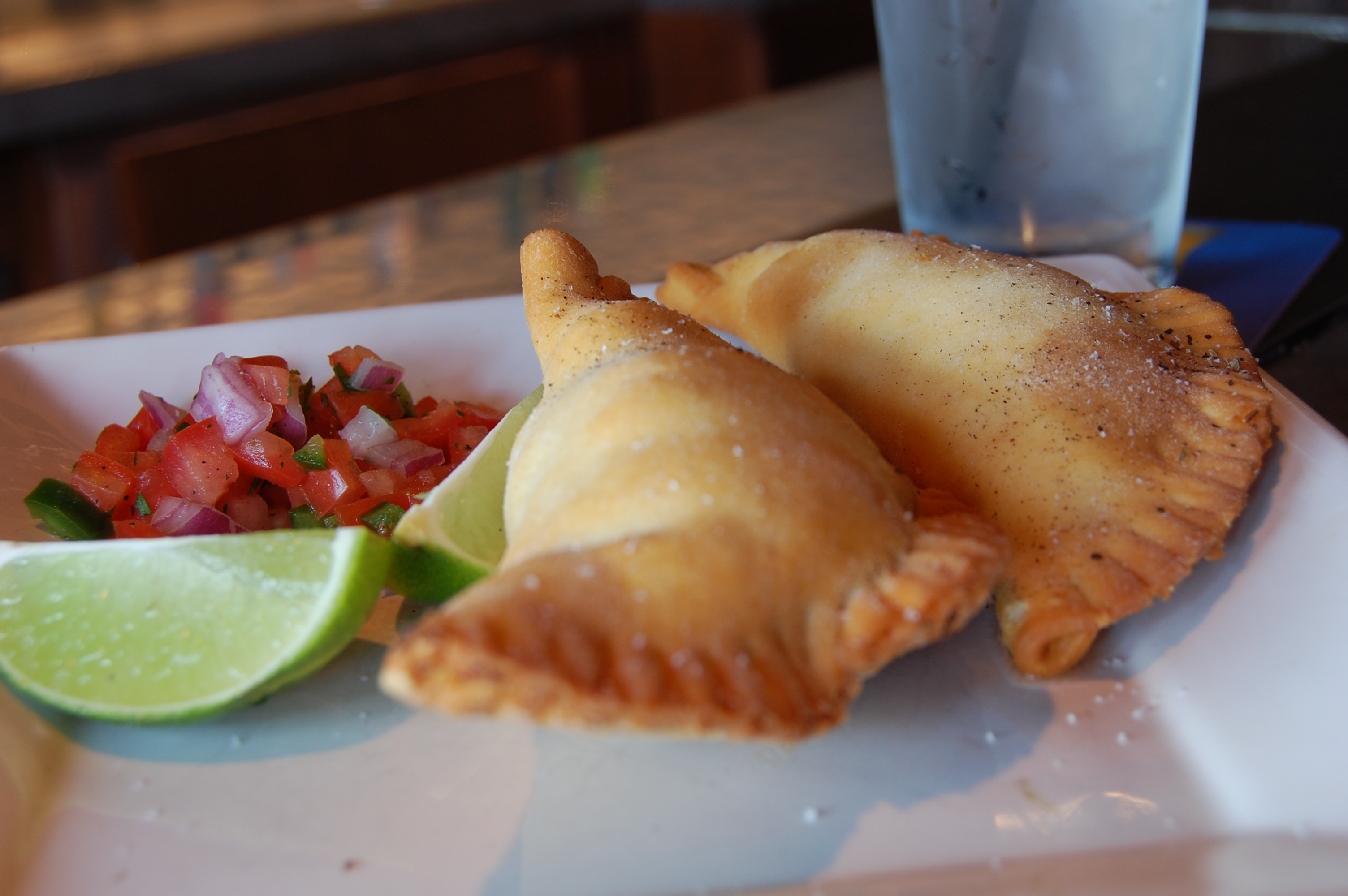 File empanada stu wikimedia commons for Argentinian cuisine history