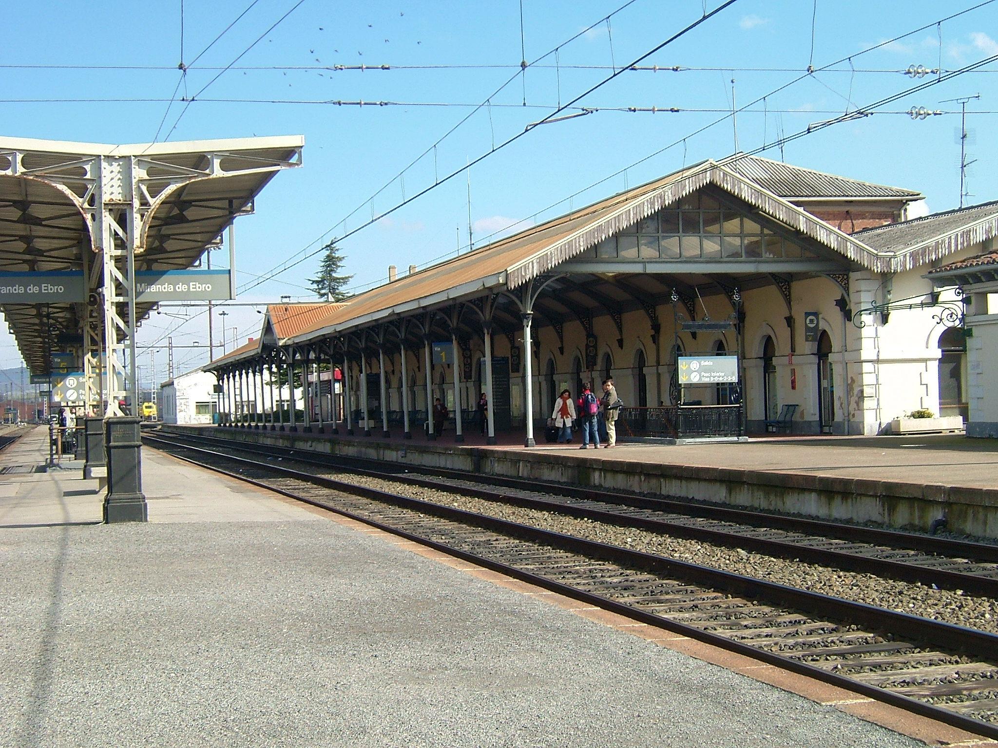 estacion de trenes de burgos: