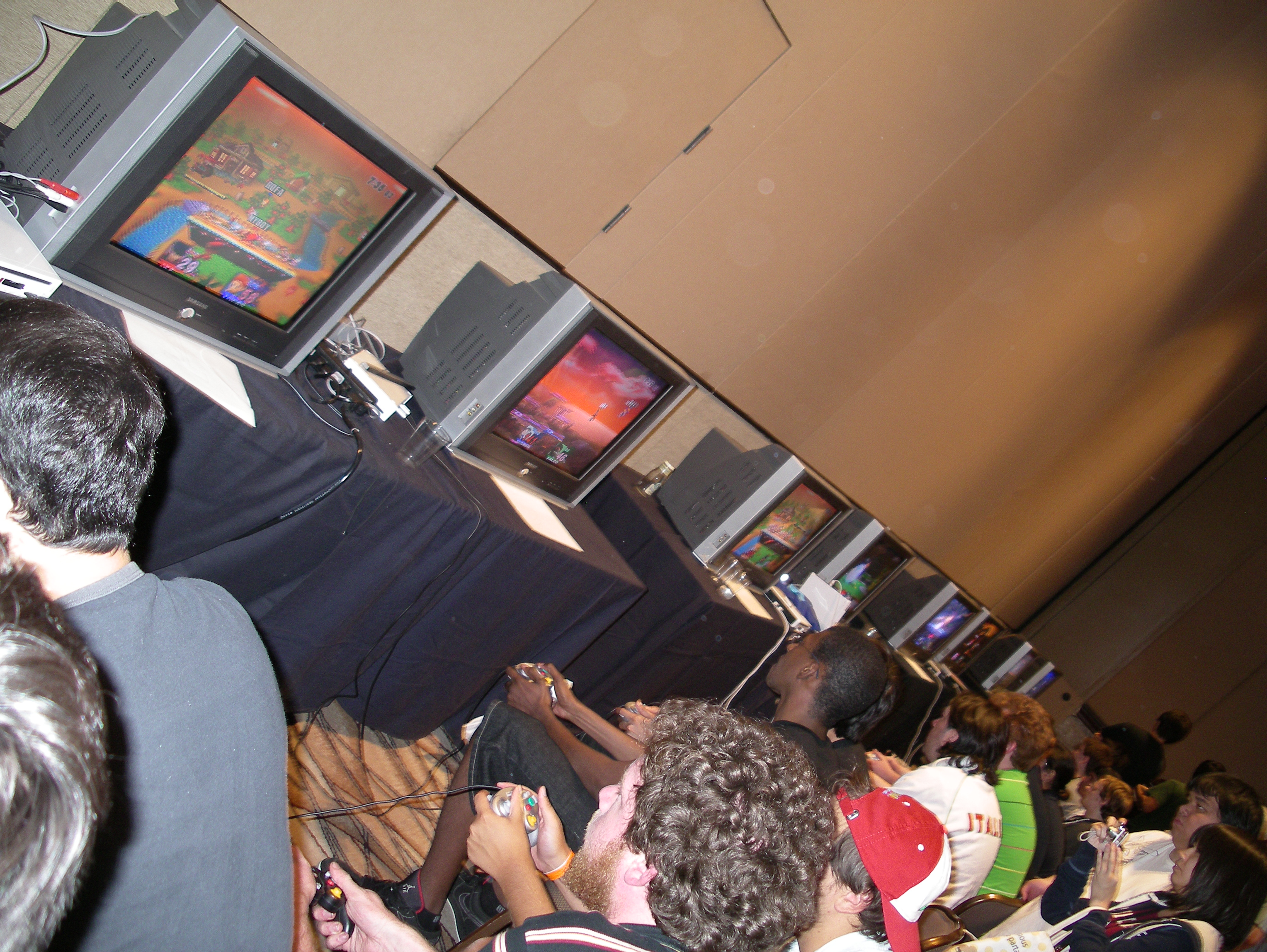 File:Evo 2009 - 3731301896 - Super Smash Bros. play.jpg - Wikimedia Commons