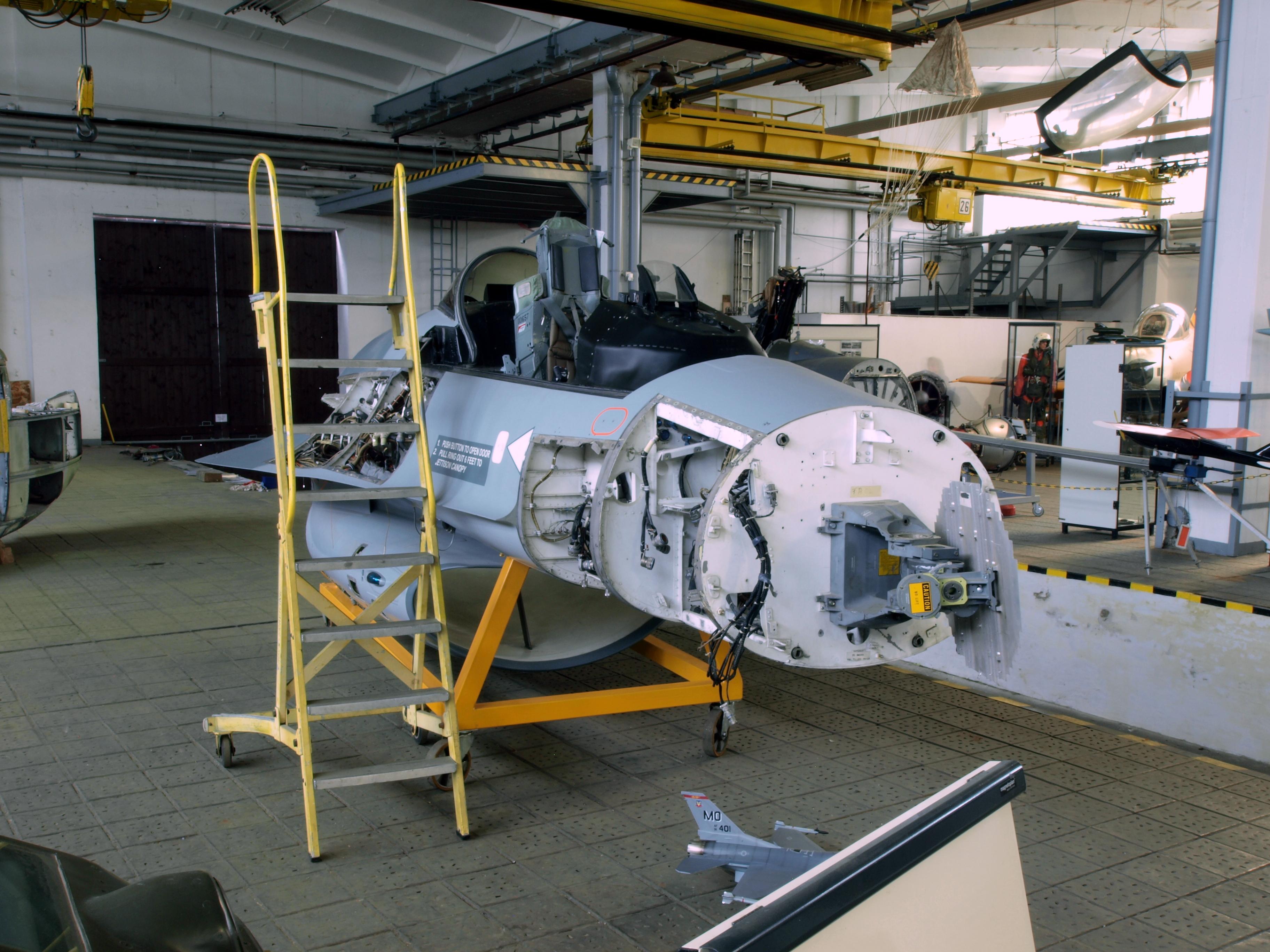 File F 16 Cockpit Part Jpg Wikimedia Commons