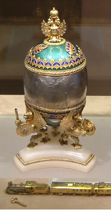 Faberge Train Egg Kremlin April 2003-2.jpg