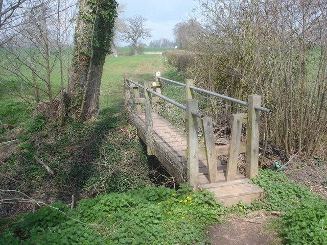 Footbridge on the Daffodil Way - geograph.org.uk - 768718