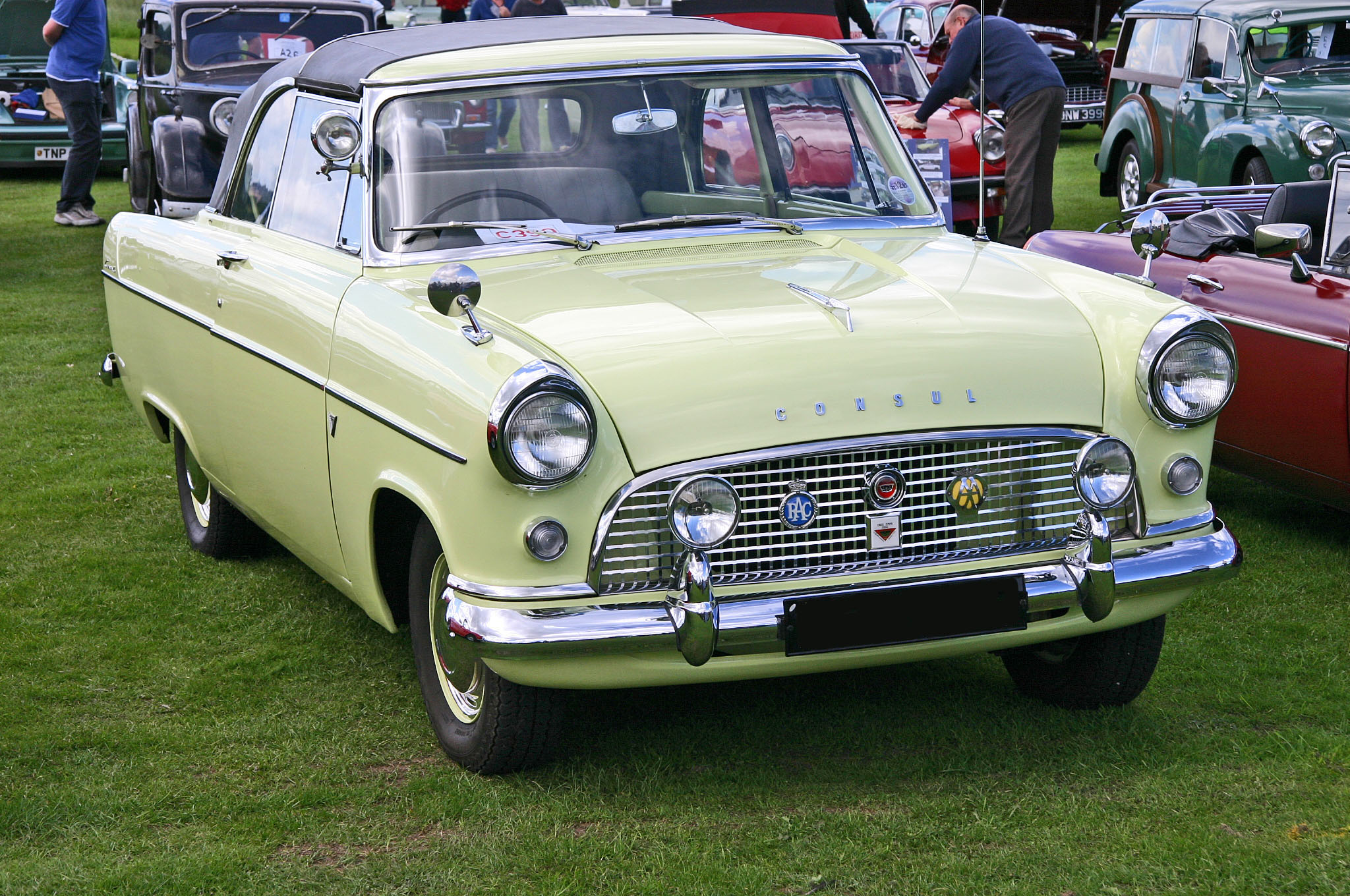 file ford consul 204e convertible. Black Bedroom Furniture Sets. Home Design Ideas