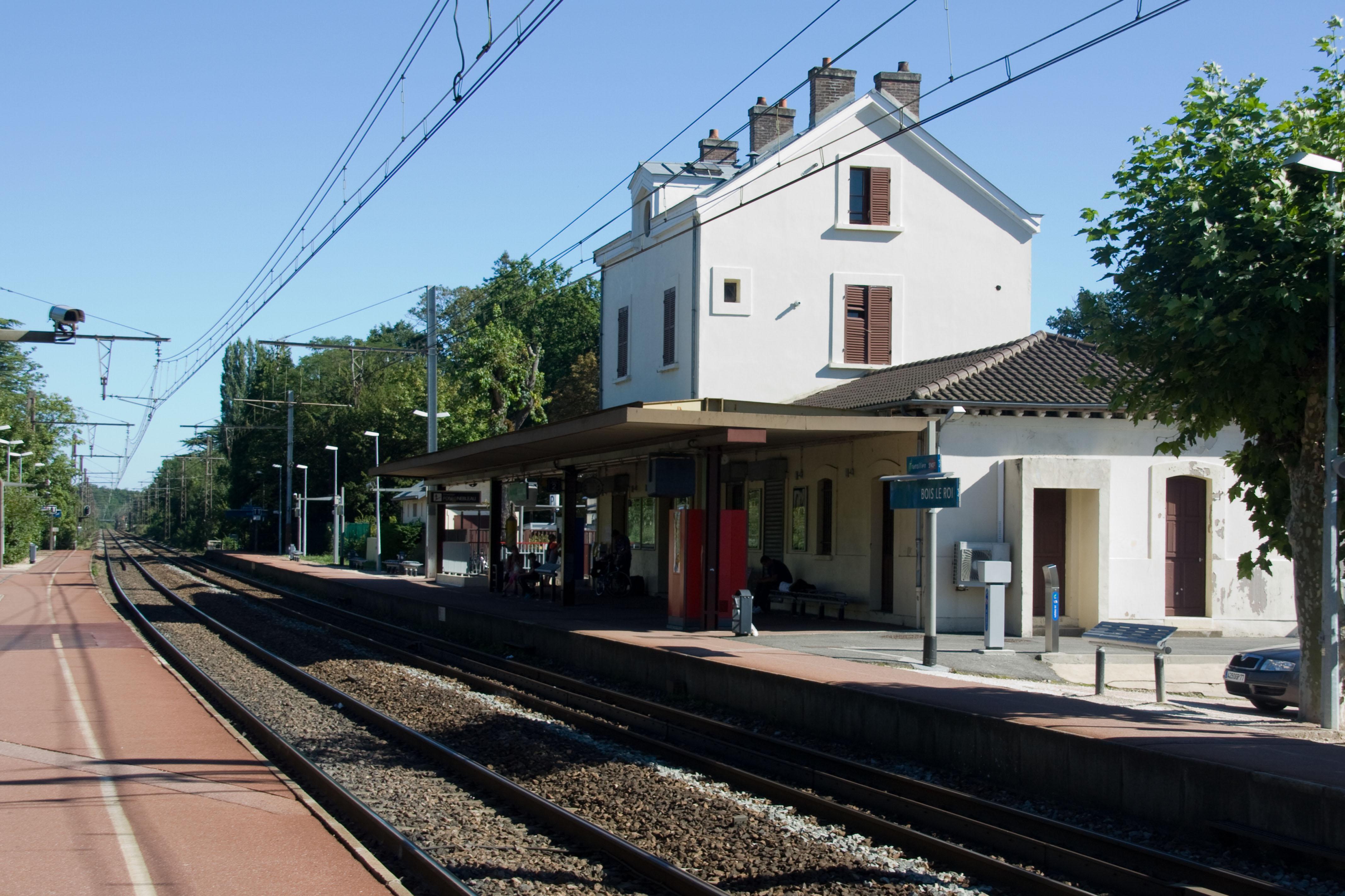Triathlon Bois Le Roi - File Gare de Bois le Roi IMG 8426 jpg Wikimedia Commons