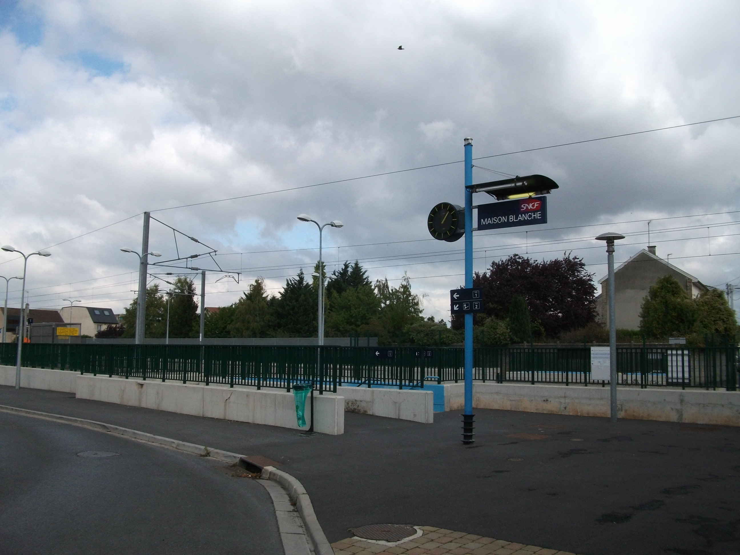Reims-Maison-Blanche station - Wikipedia