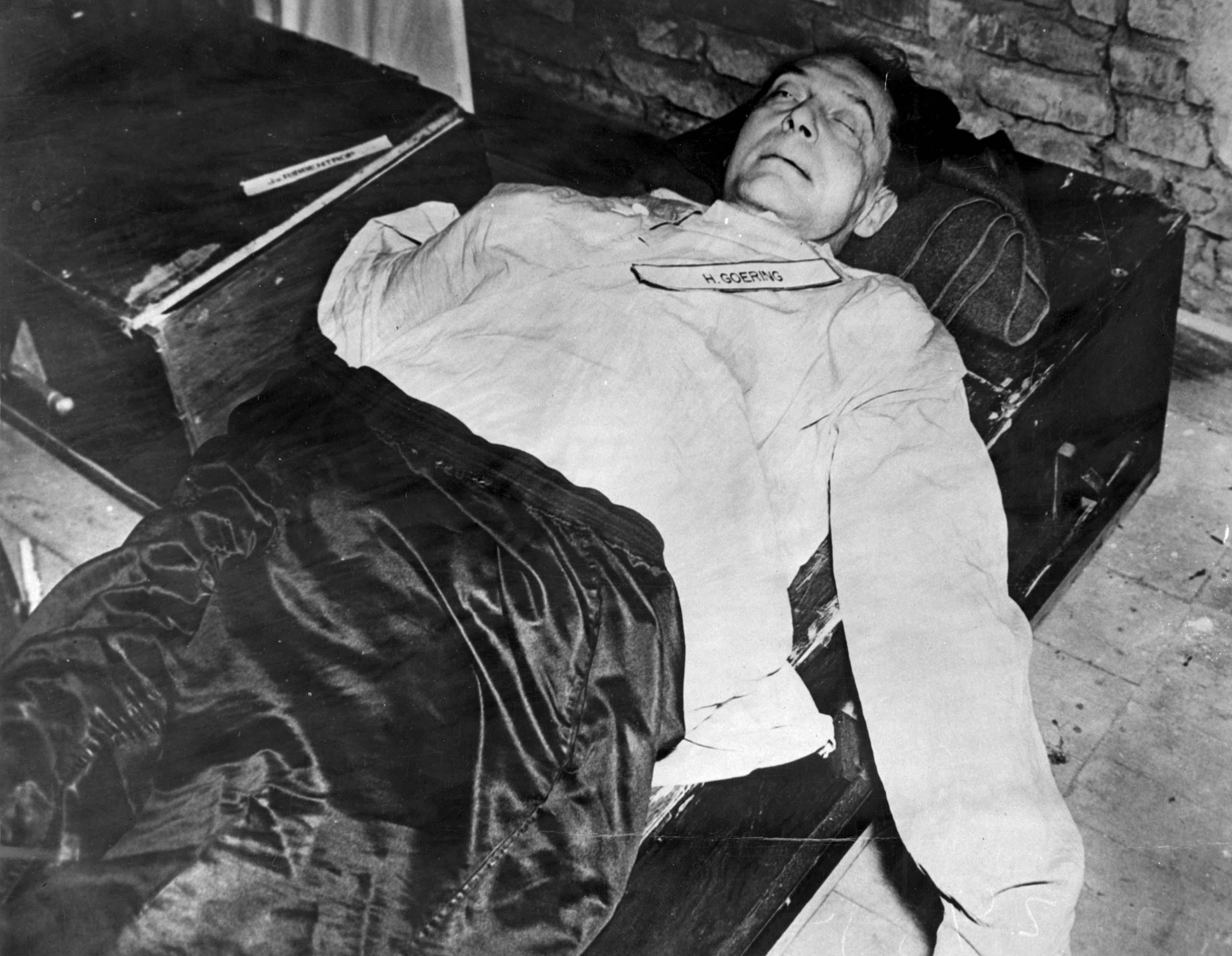 File:Goering-corpse.jpg