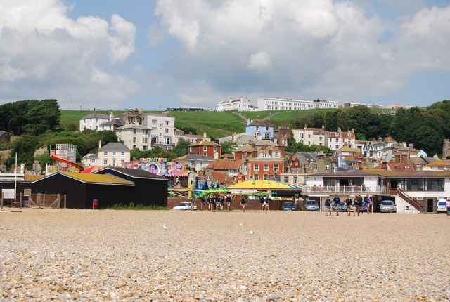 Hastings across the beach - geograph.org.uk - 1023638