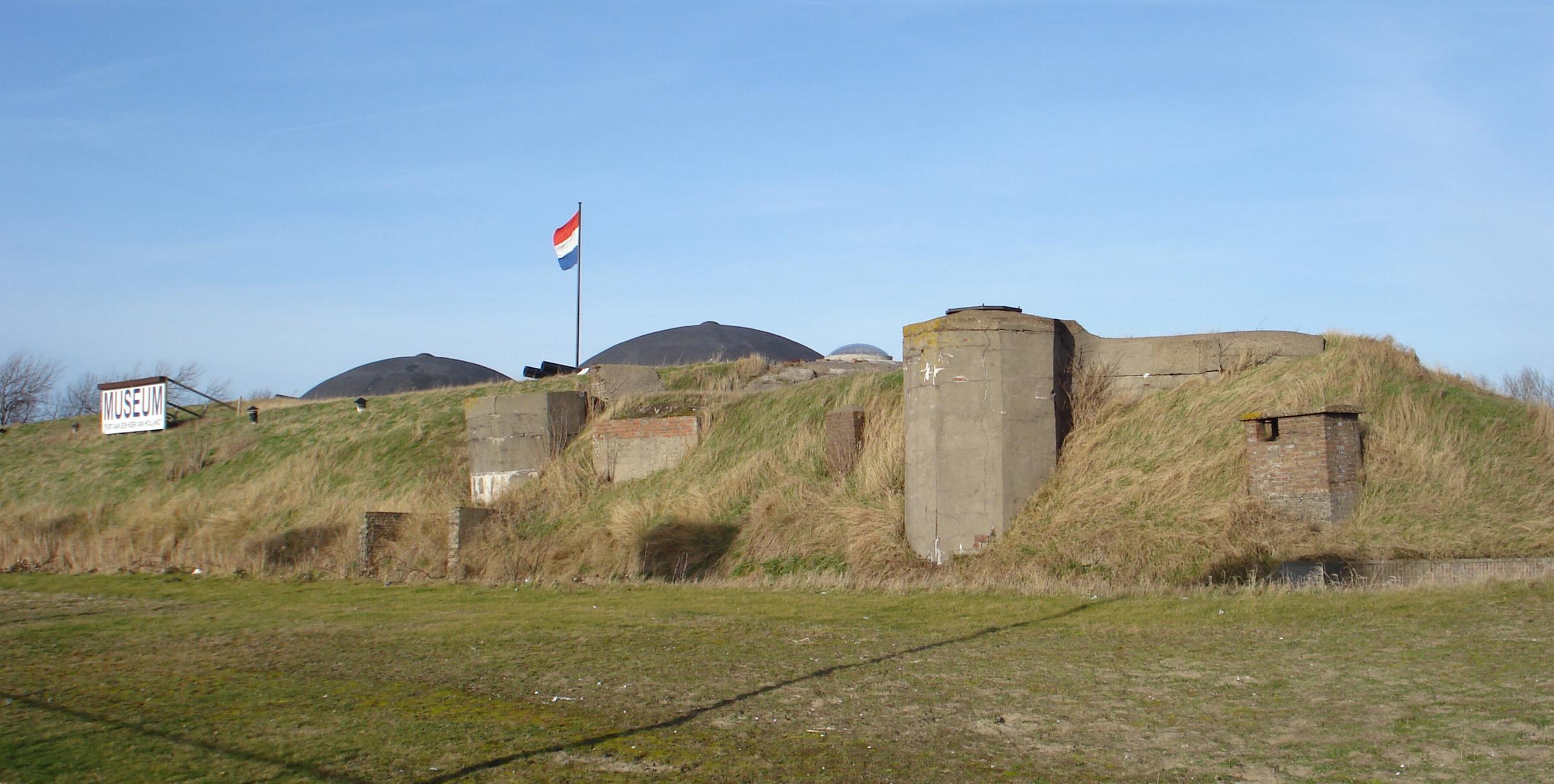 Fort aan den Hoek van Holland: fort Maasmond/Fort a/dn H v Holland ...