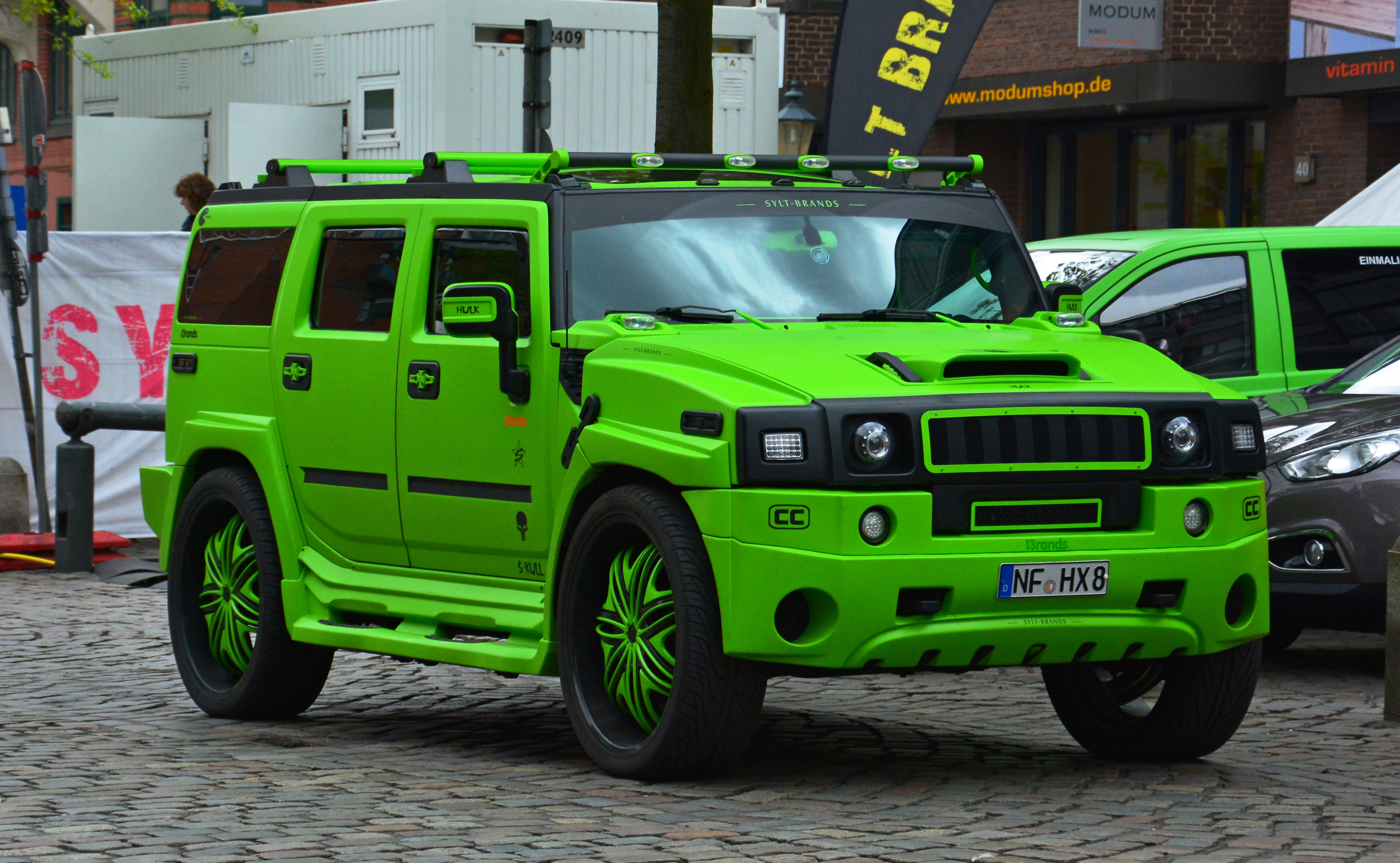 Hummer H4 Inside >> File:Hummer H2 – 825. Hamburger Hafengeburtstag 2014 02.jpg - Wikimedia Commons