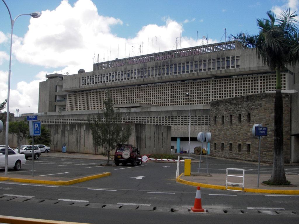 Aeroporto Nairobi : File jomokenyattaairportnairobi g wikimedia commons