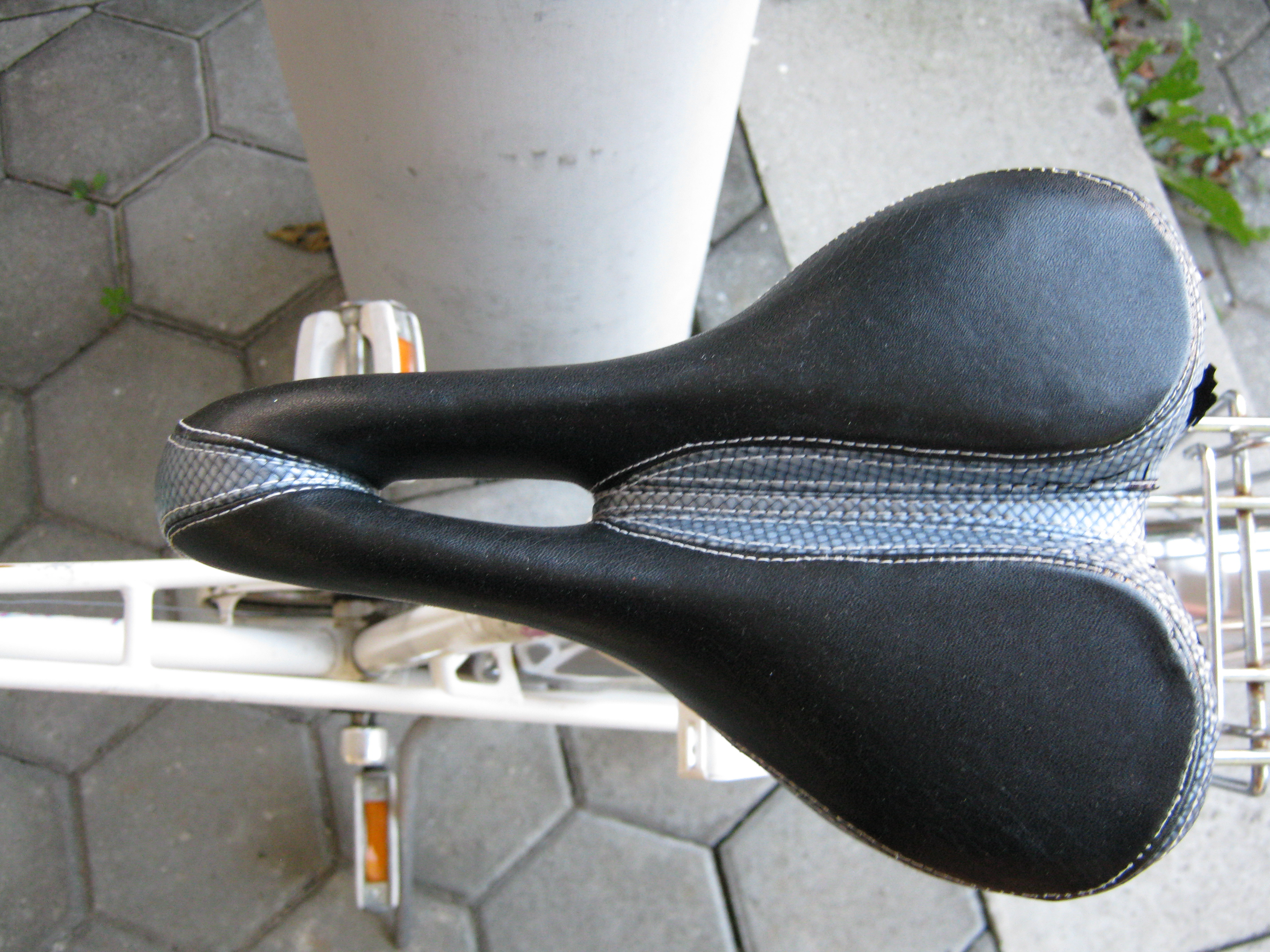 55 mb information description lochsattel für fahrrad source