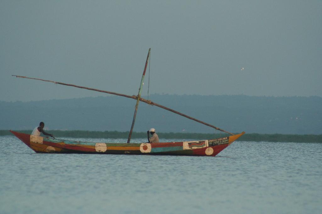 Lagos del mundo y sus escurridizos monstruos naturascape for Videos of people fishing