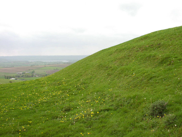 Maes Knoll - geograph.org.uk - 837080