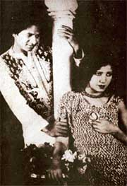 Master Vithal and Zubeida in Alam Ara, 1931.jpg