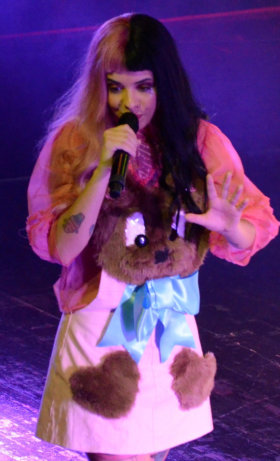 Melanie Martinez Wikipedia >> Melanie Martinez (singer) - Wikiwand