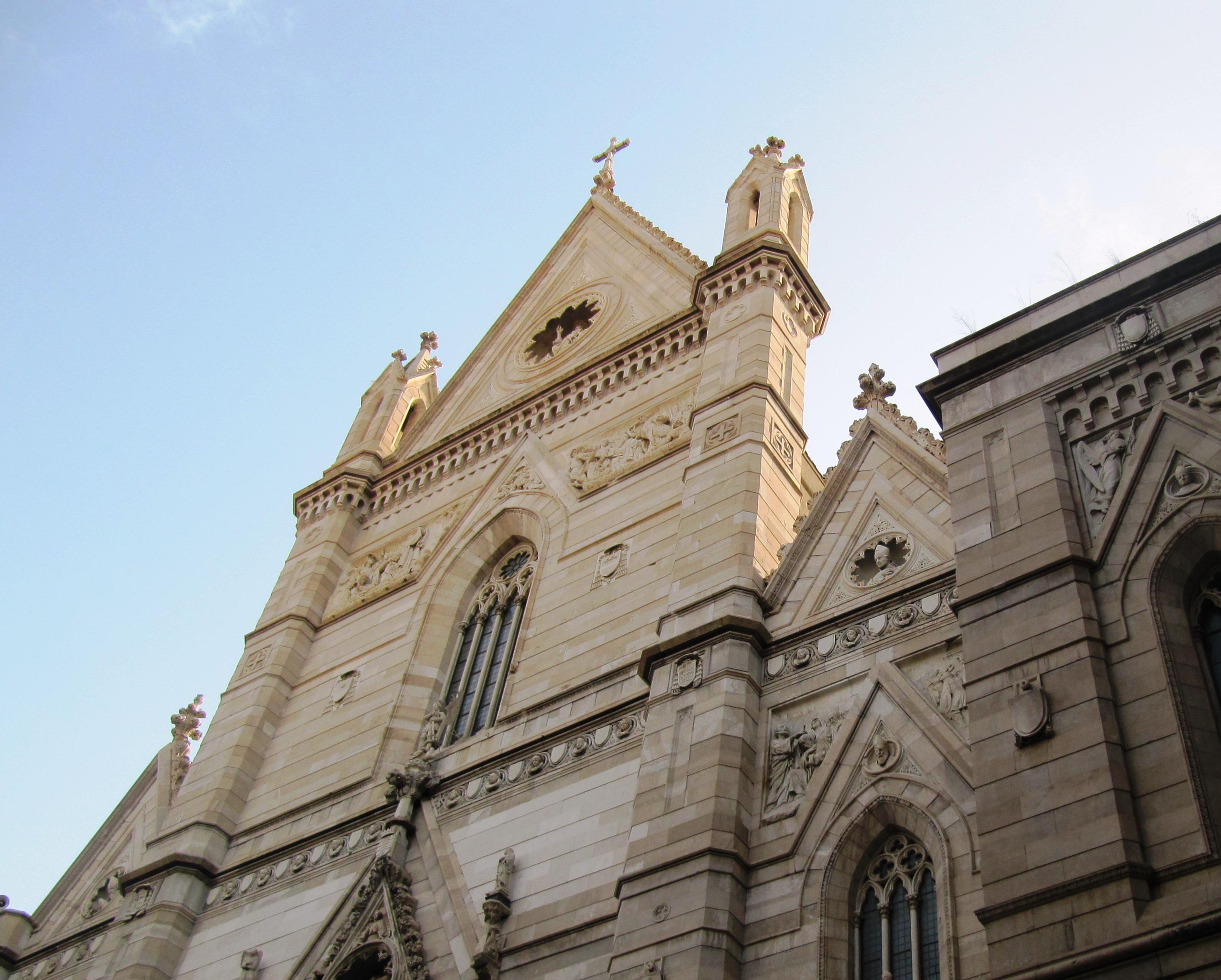 Napoli, Duomo, faciata (1).jpg