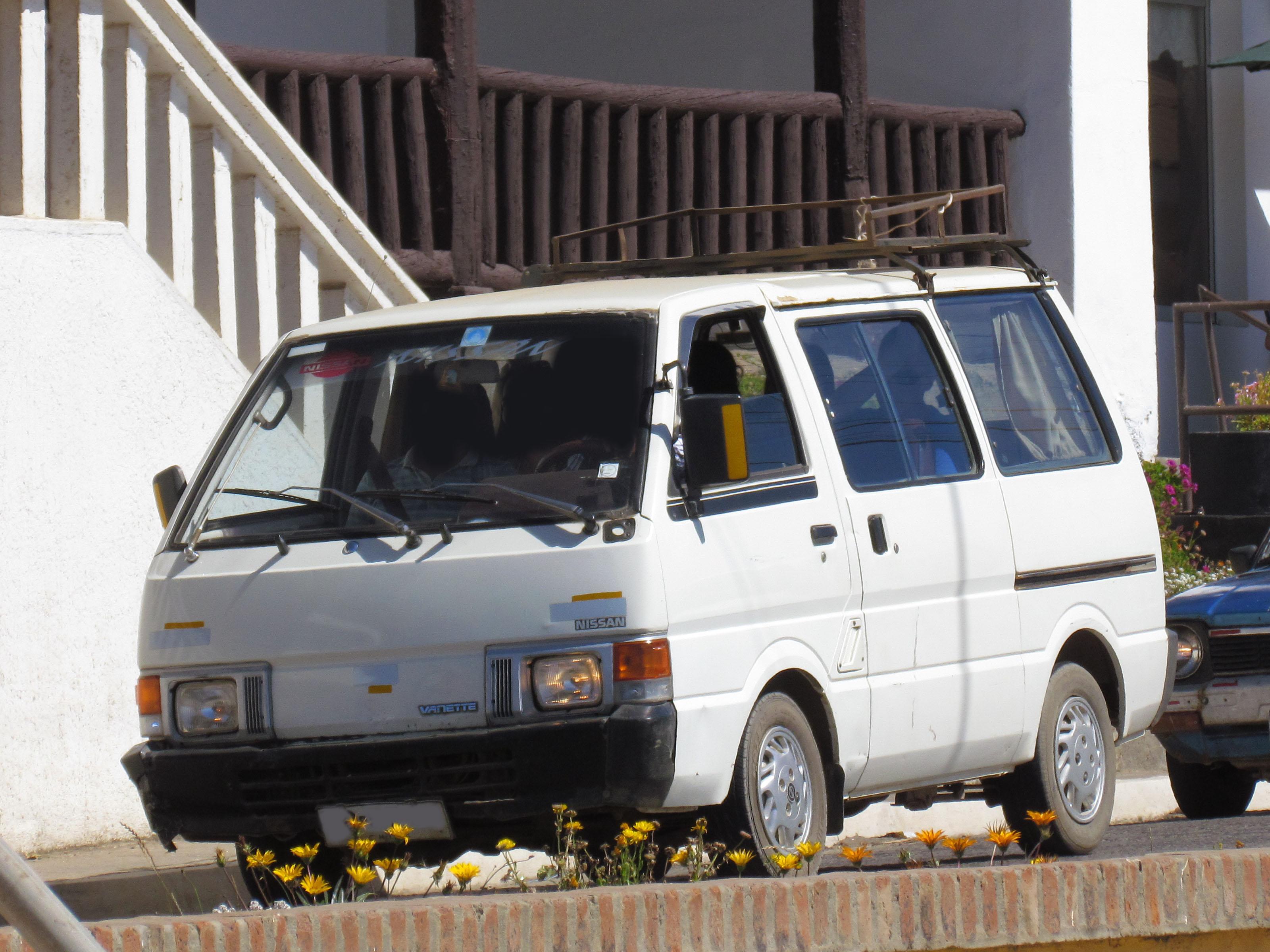 nissan vanette 1988