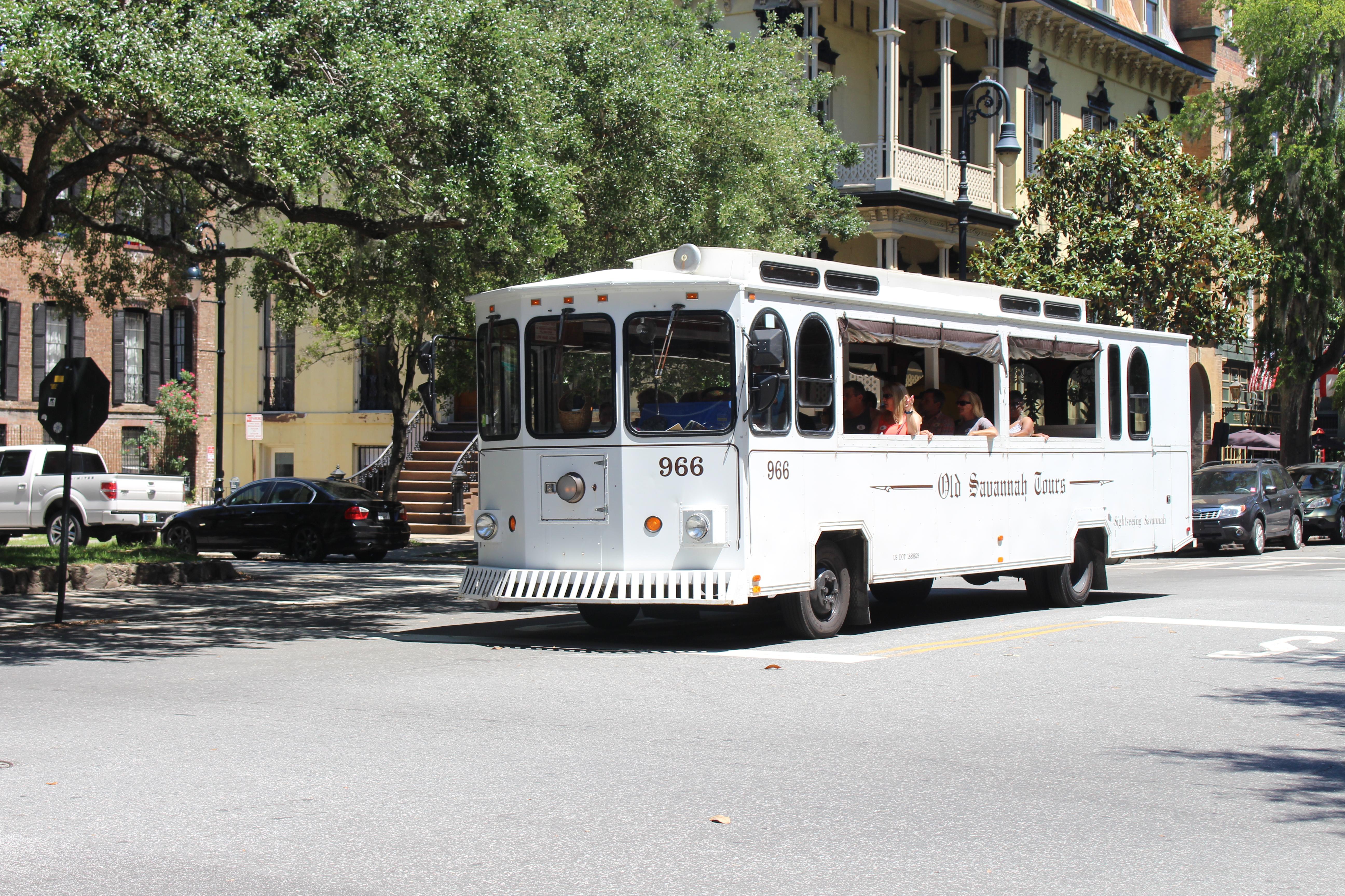 Old Savannah Tours bus.jpg