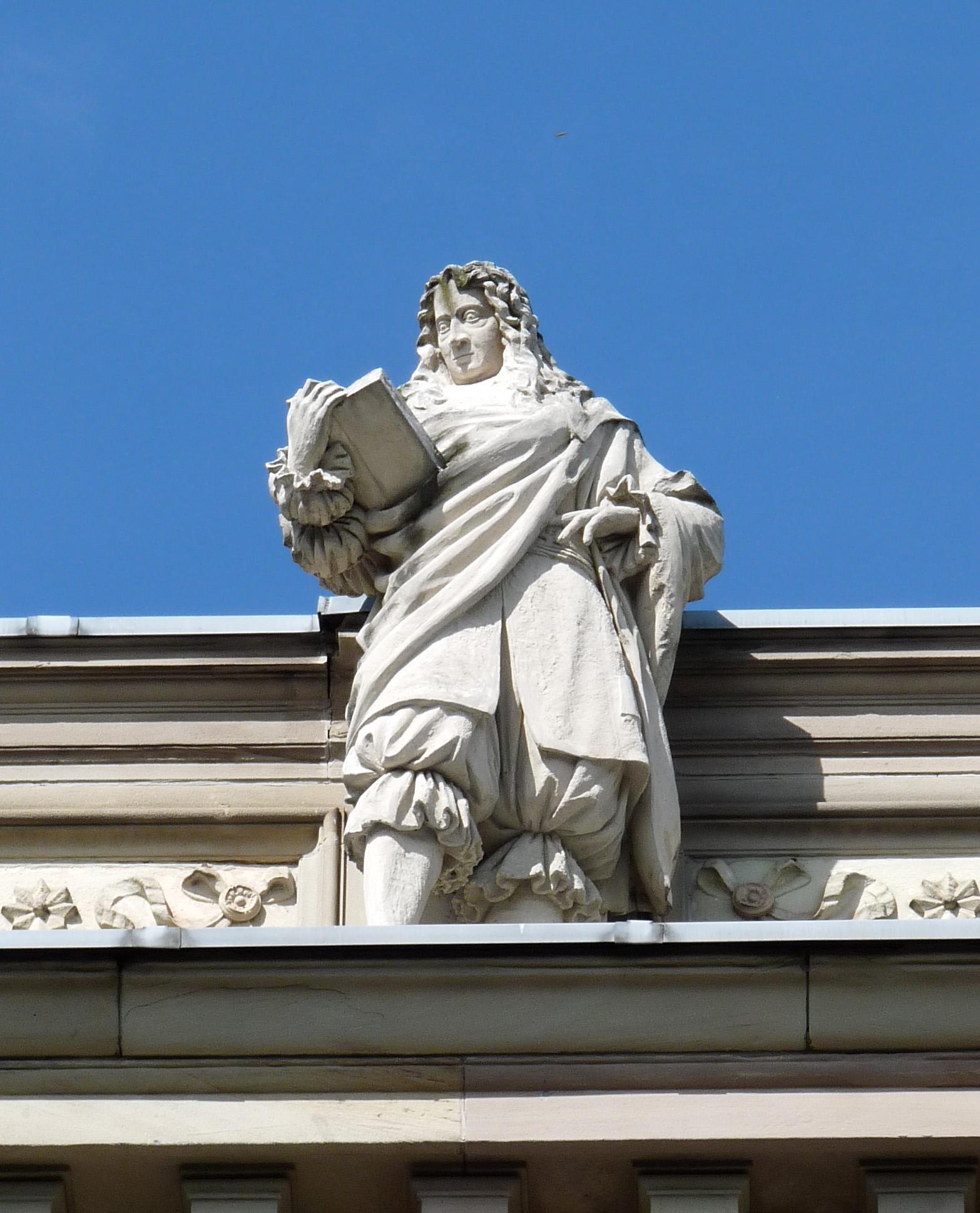 Statue of Pufendorf on the [[Palais Universitaire, Strasbourg