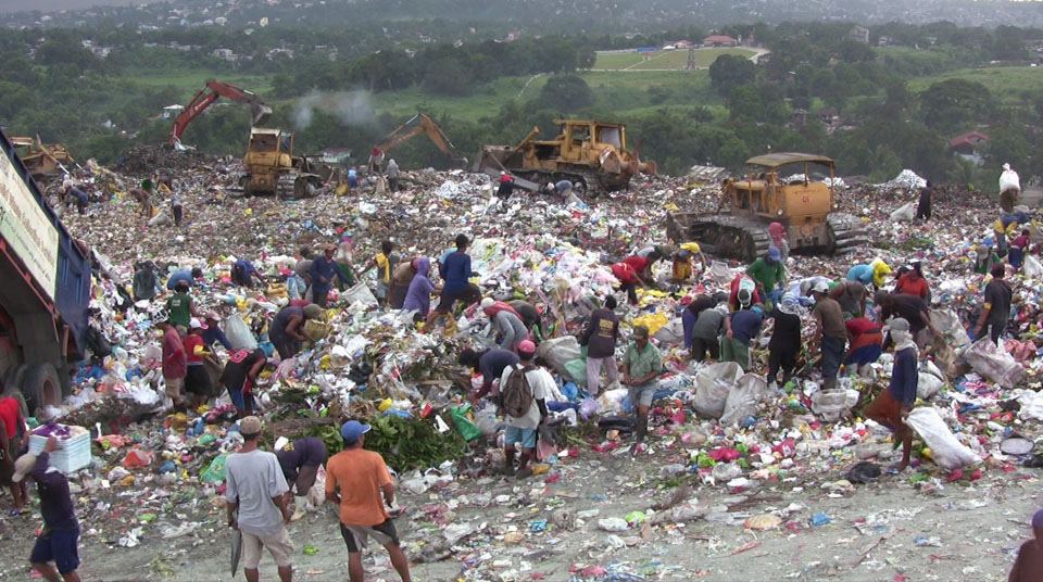 Description Payatas-Dumpsite Manila Philippines02.jpg