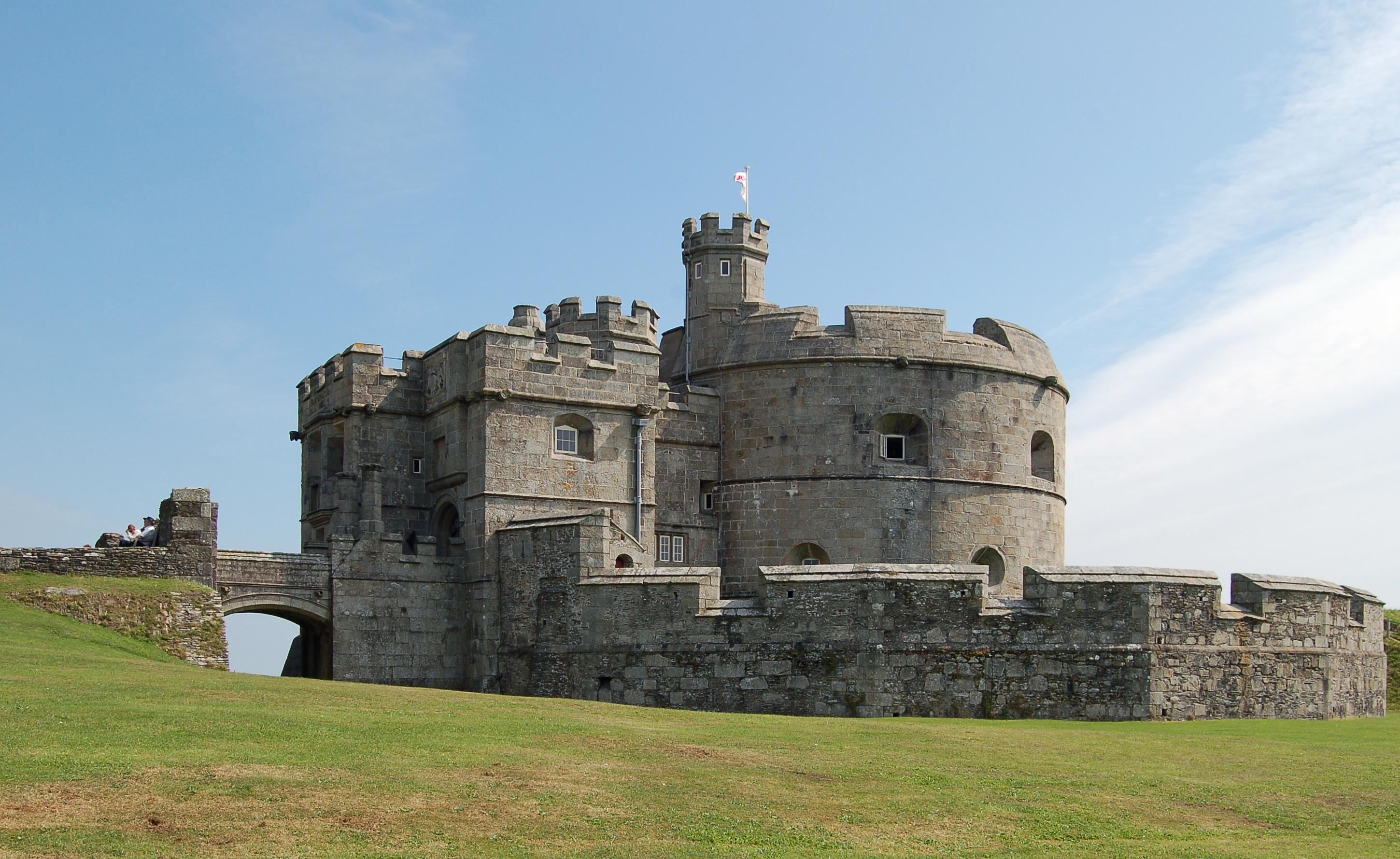 Pendennis Castle keep jpg Castle
