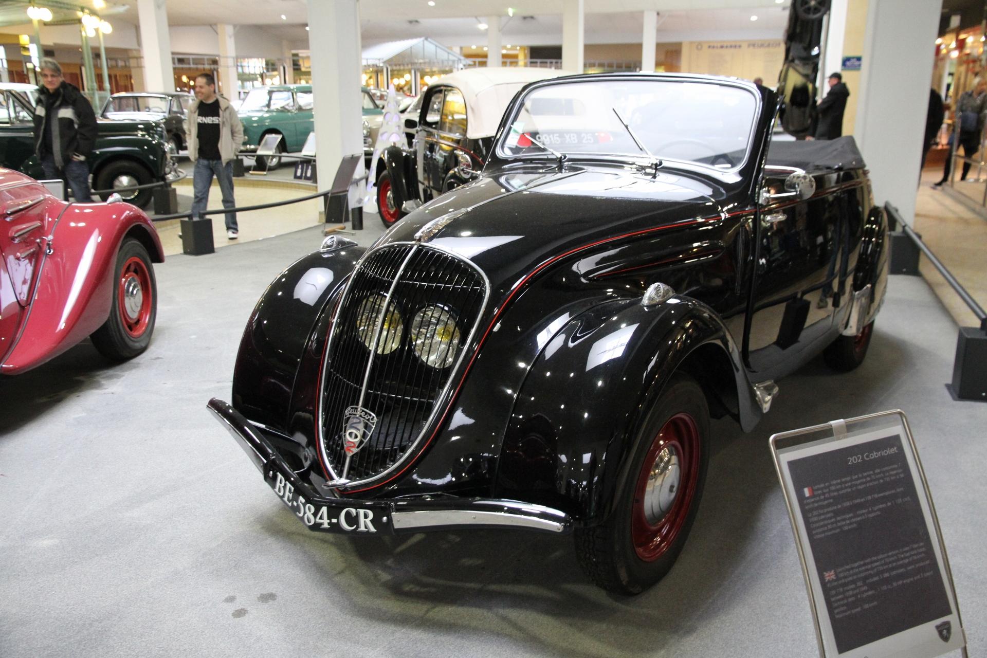 File:Peugeot 202 Cabriolet.jpg
