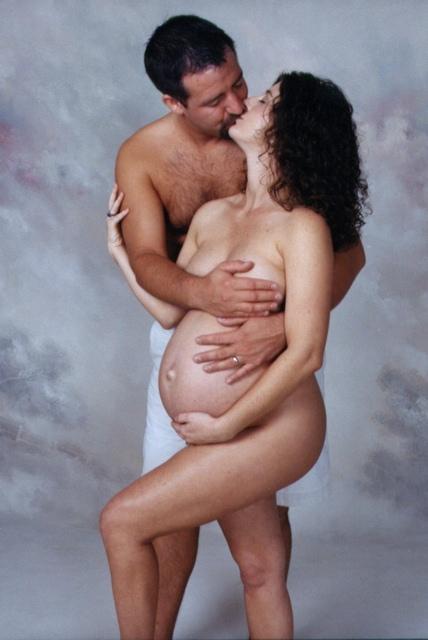 couple Nude pregnant