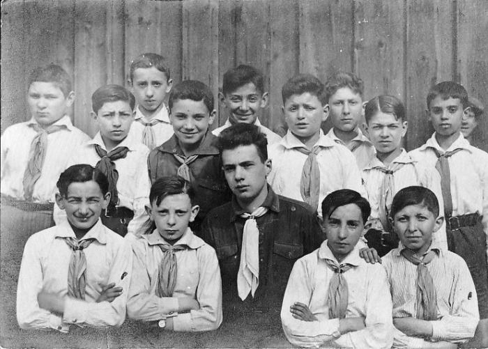 בקן-השומר הצעיר בורשה-פולין 1925