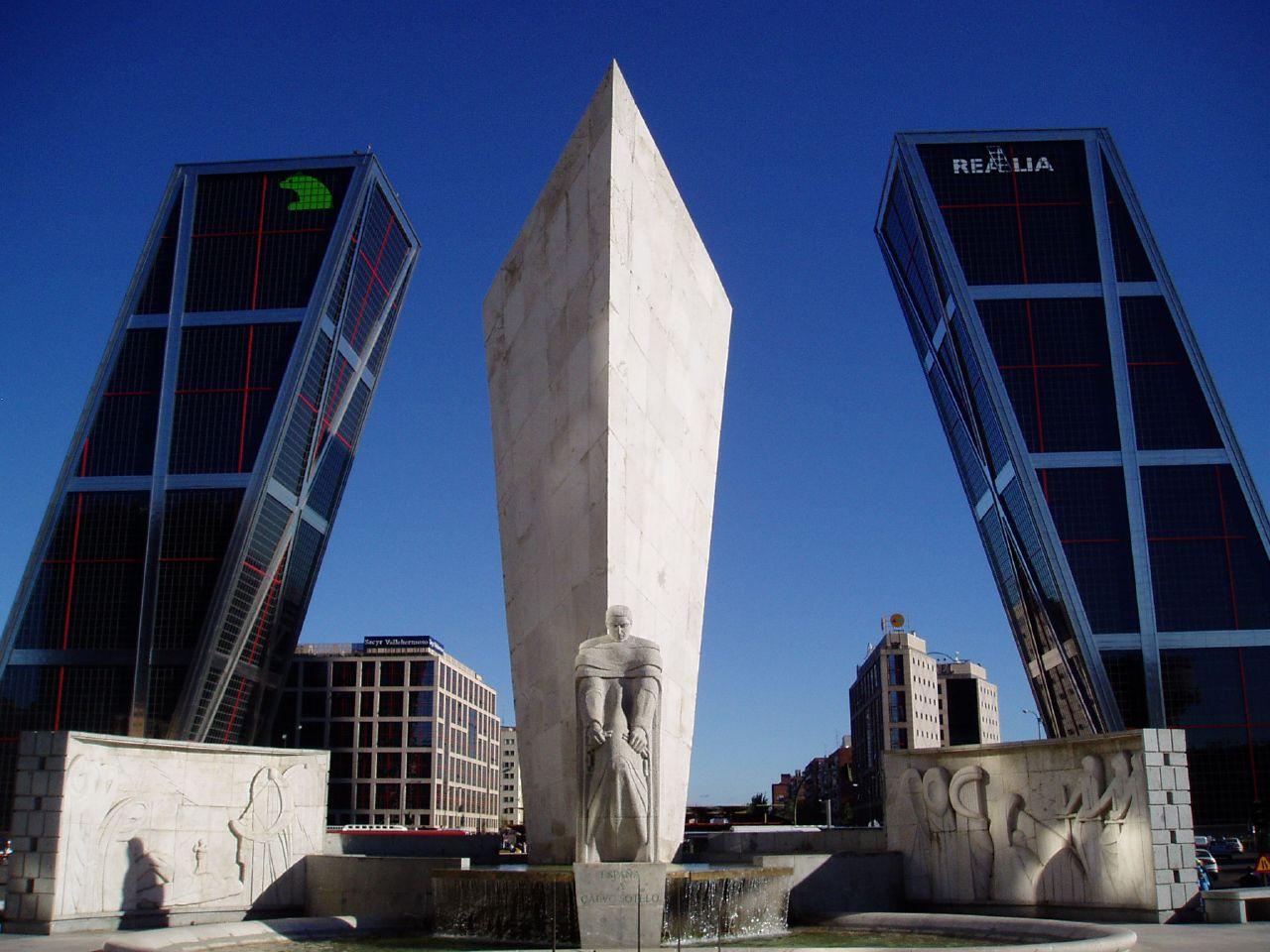 Plaza de Castilla (Madrid) 04.jpg