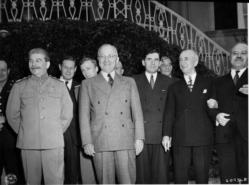 a paper on the 1945 potsdam conference Potsdam conference  a world divided – superpower relations 1945-62  study these events which occurred between 1945 and 1949 berlin blockade potsdam.