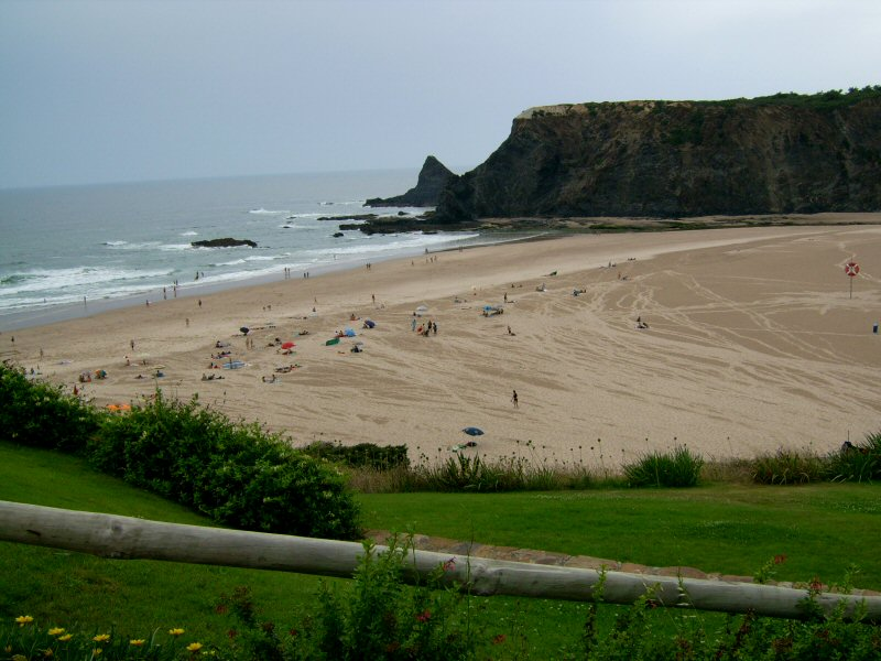 Imagem:Praia de Odeceixe.JPG