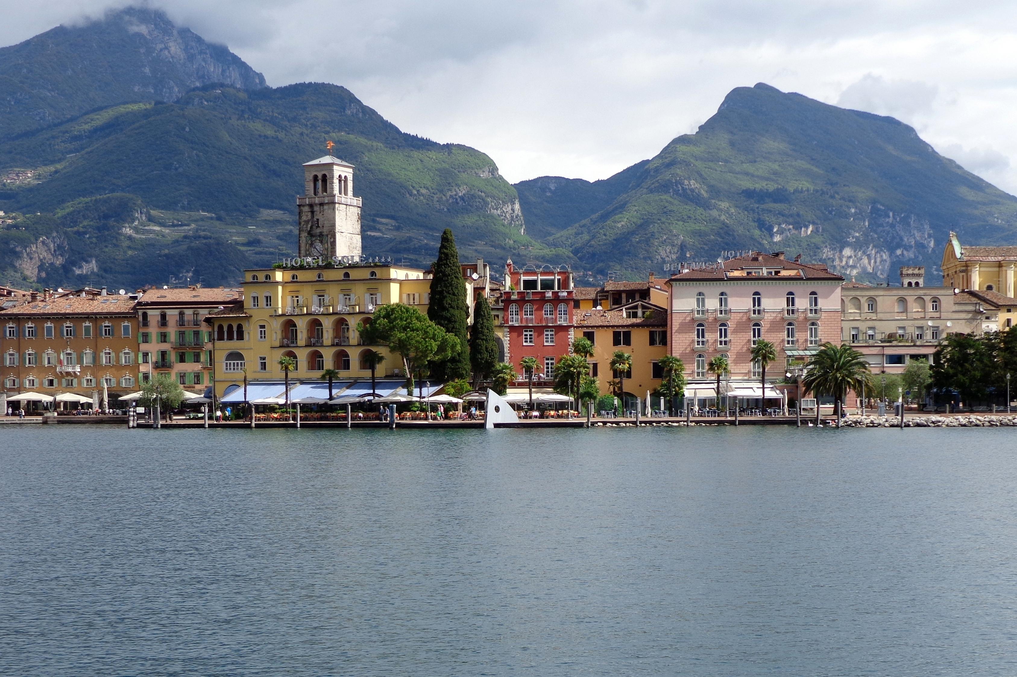 Riva Del Garda Italy  city photos : Description Riva del Garda, Italy
