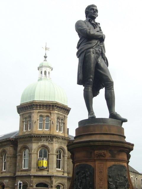 Robert_Burns_statue,_Bernard_Street.jpg