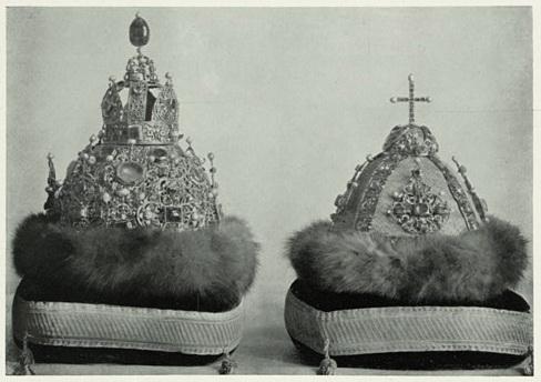 Файл:Shapka Astrakhanskaya i Altabasnaya (1904).jpg