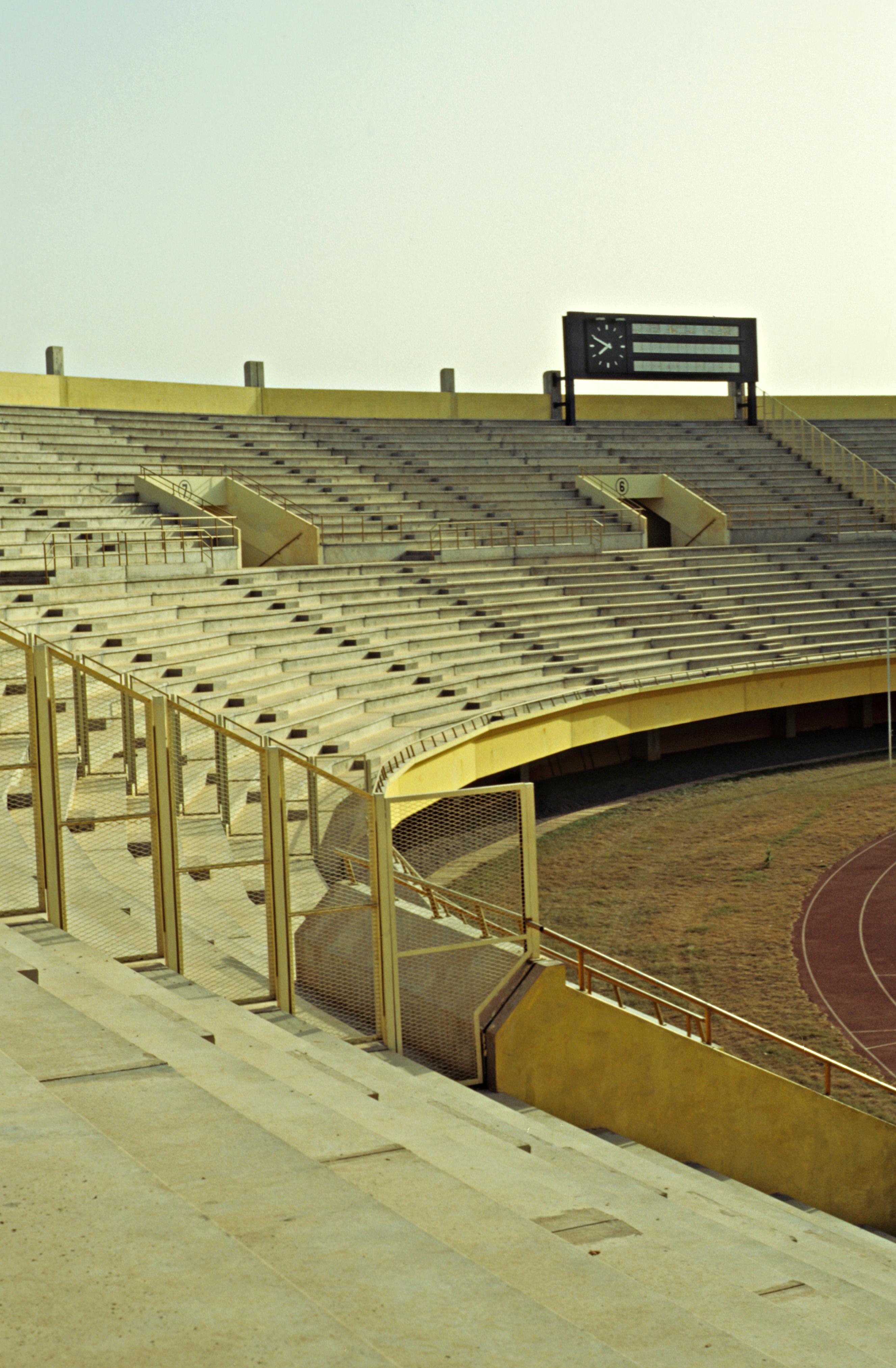 http://upload.wikimedia.org/wikipedia/commons/9/97/Stadiumbobodioulasso3.jpg