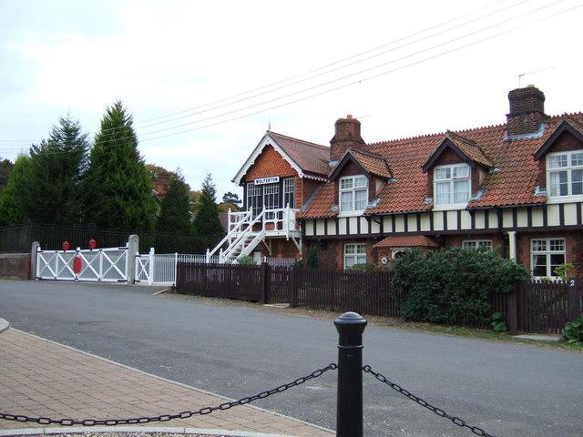 The old signal box at Wolferton - geograph.org.uk - 1509991