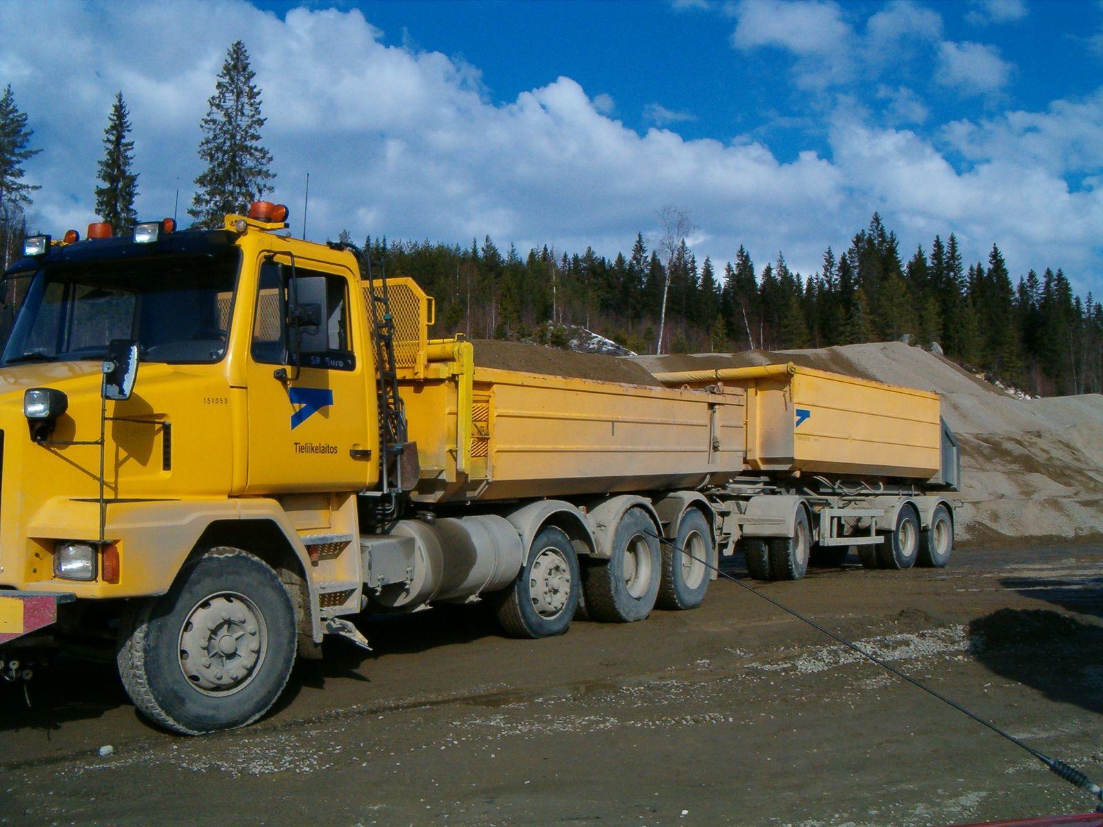 File Tielaitos Sisu Dump Truck Jpg Wikimedia Commons