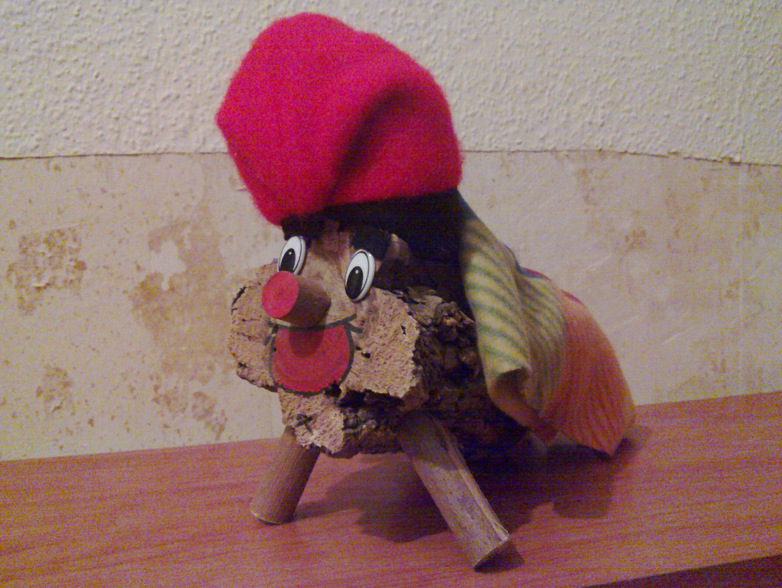 File:Tio de nadal petit decoratiu.jpg - Wikimedia Commons