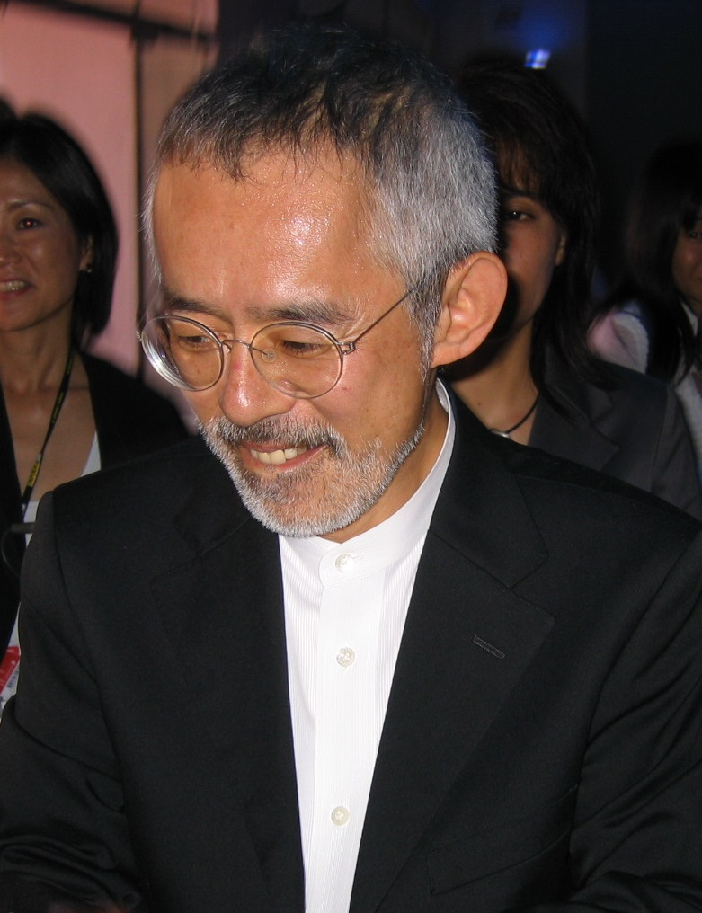 Suzuki at the Venice premiere of ''[[Howl's Moving Castle (film)|Howl's Moving Castle]]'' in 2004