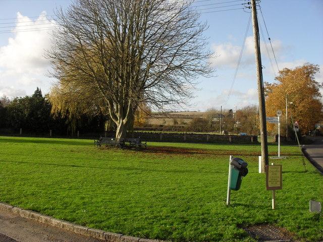 Village green, Ascott Under Wychwood - geograph.org.uk - 1633595