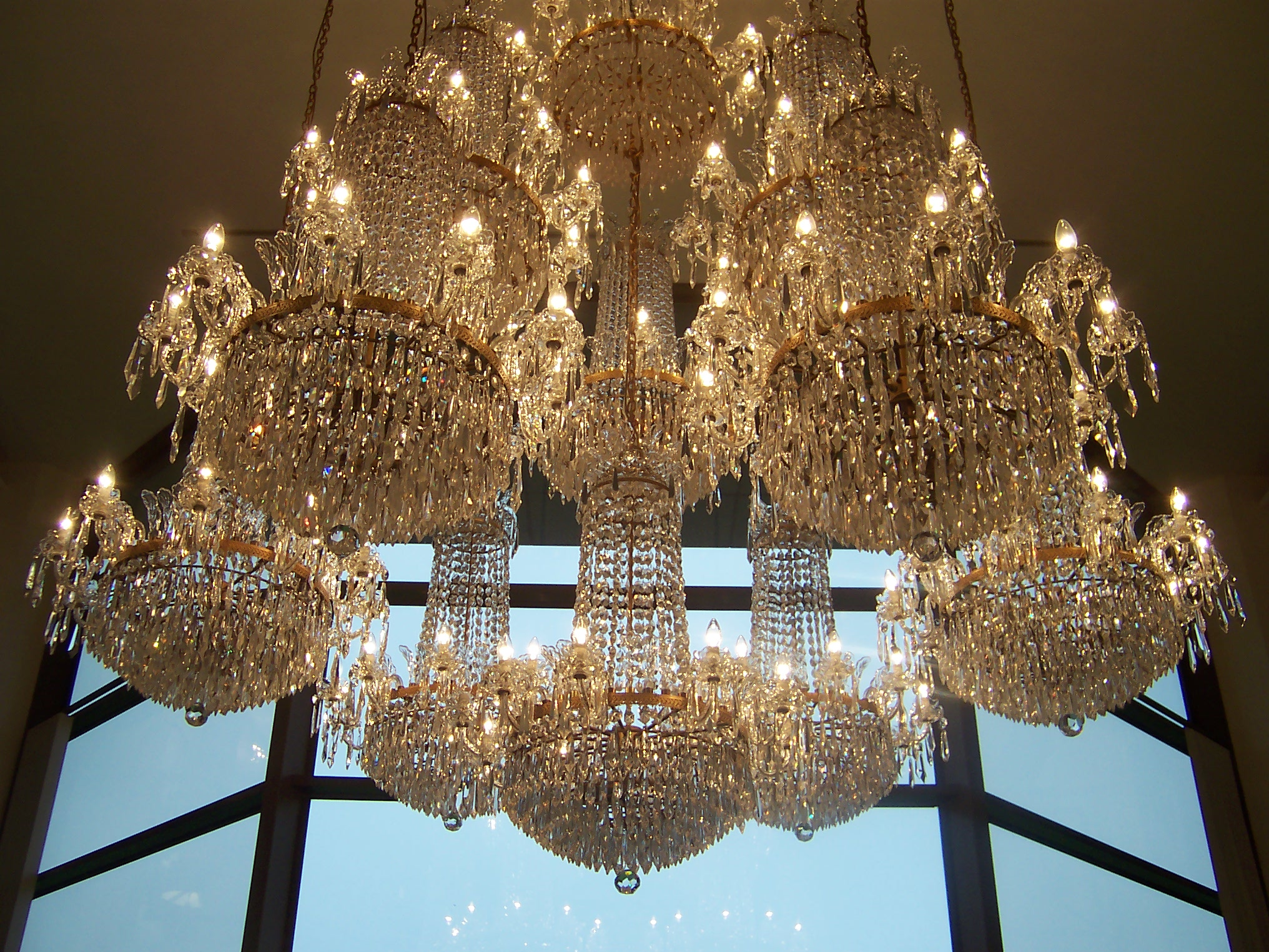 Scintillating chandelier light wiki ideas simple design home file waterfordchandelier jpg wikimedia commons arubaitofo Choice Image