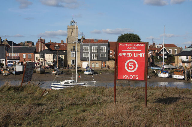 Wivenhoe, across the River Colne - geograph.org.uk - 999814