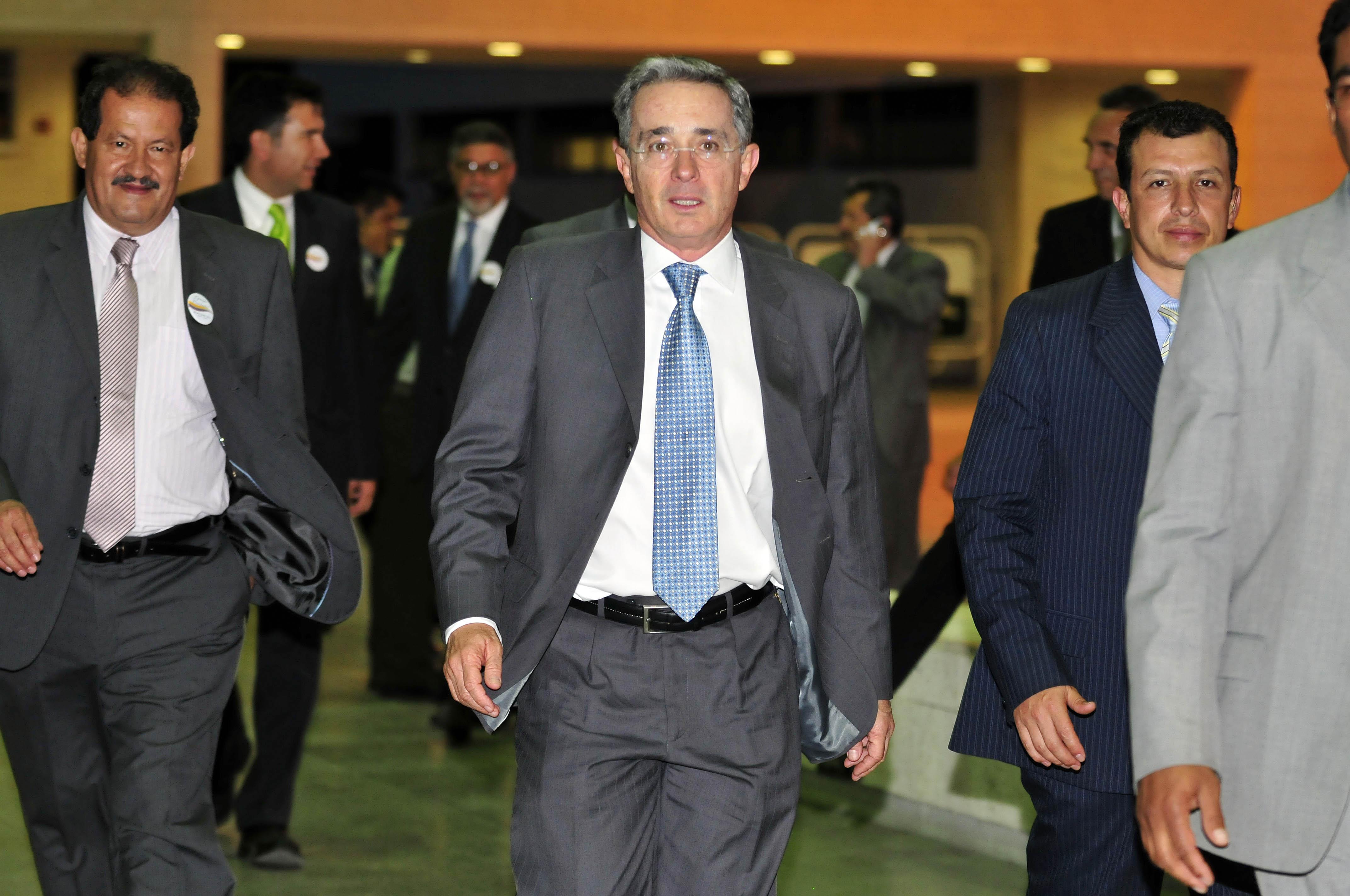 File:Álvaro Uribe Velez 57th President of Colombia.jpg - Wikimedia Commons