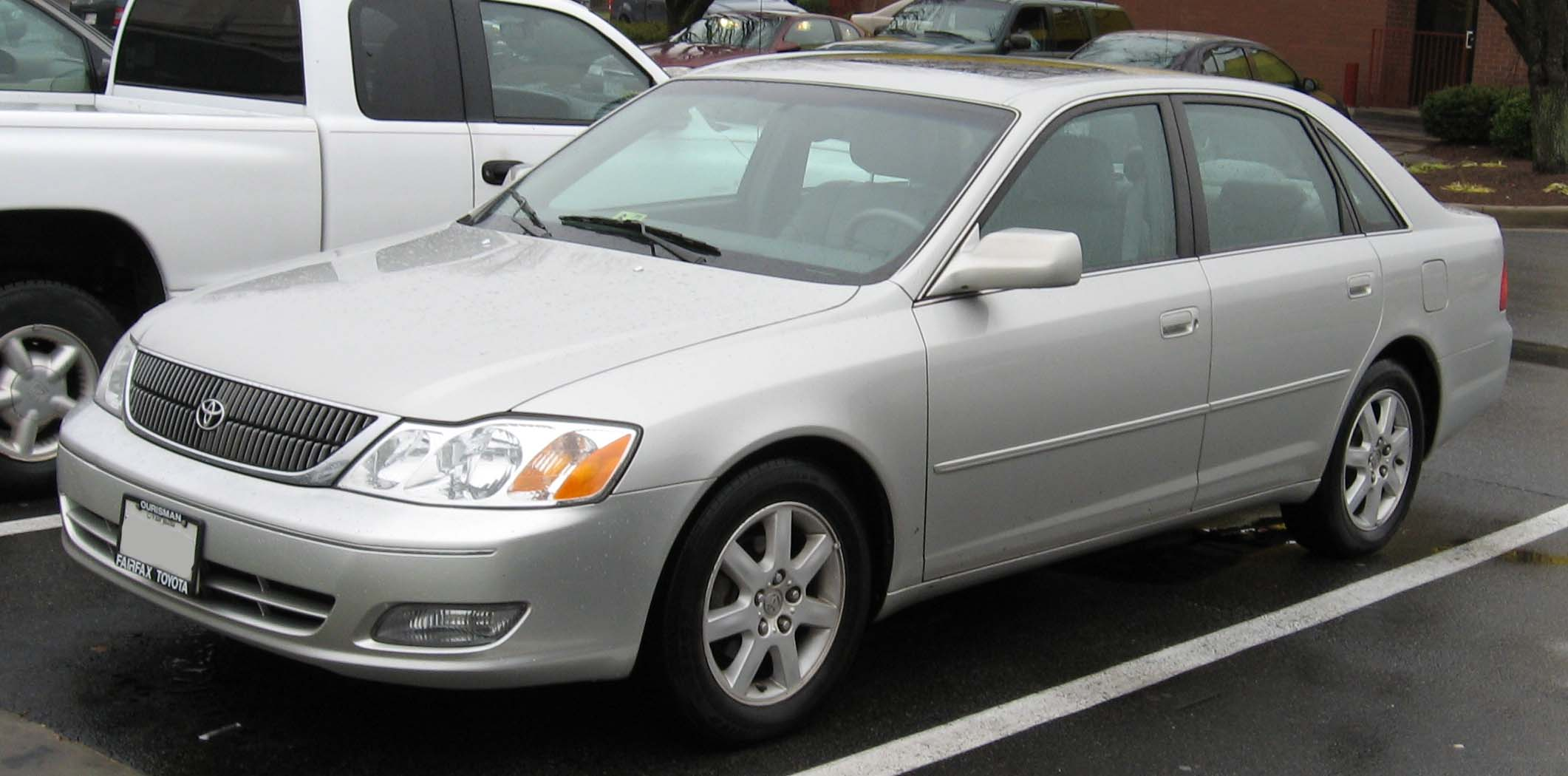 File:00-02 Toyota Avalon.jpg - Wikimedia Commons